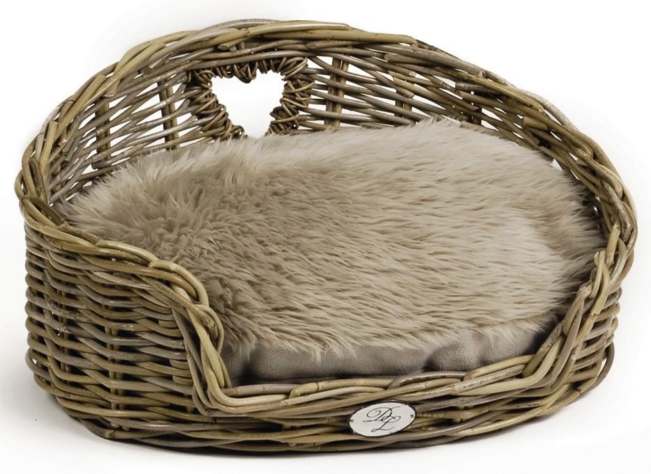 Designed by Lotte ligkussen voor Kubu kattenmand