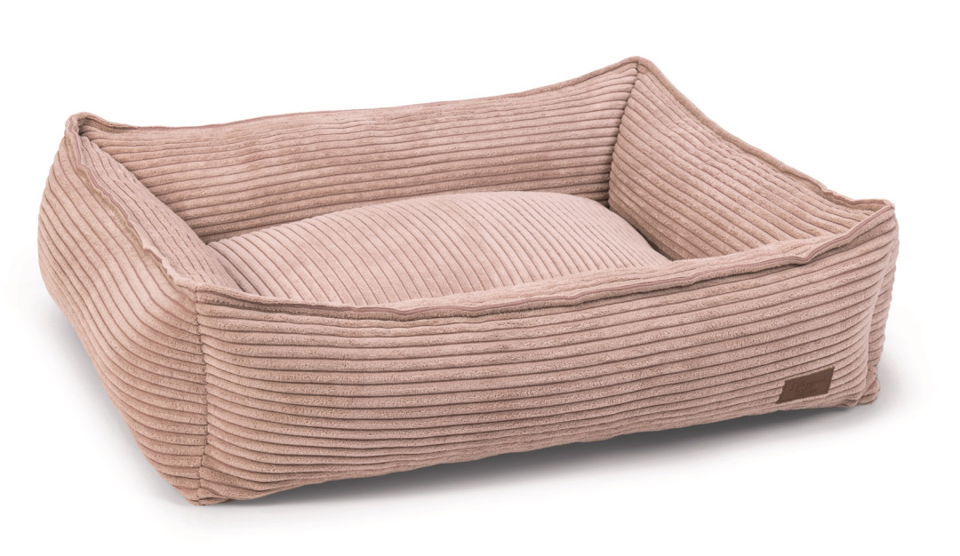 Designed by Lotte Ligmand Ribbed Roze